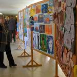 V sobotu dopoledne se konala vernisáž výtvarných prací žáků, následně si mohli rodiče a další hosté prohlídnout školu. Foto: Alexandra Buršíková