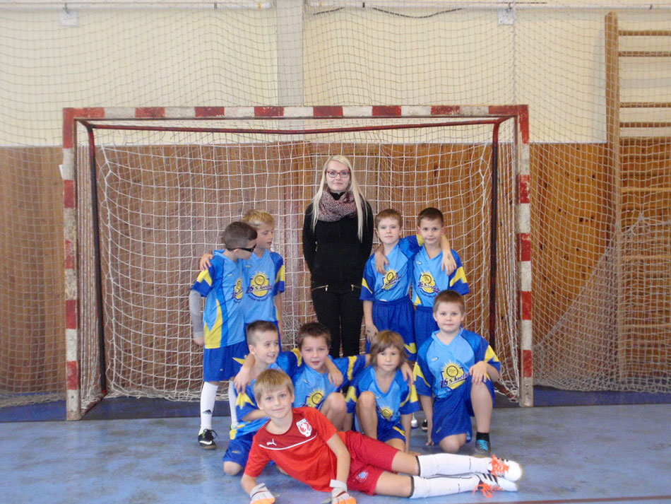 Tým ZŠ 5. května skončil na turnaji 3. tříd čtvrtý. Foto: archív SVČ Rožnov
